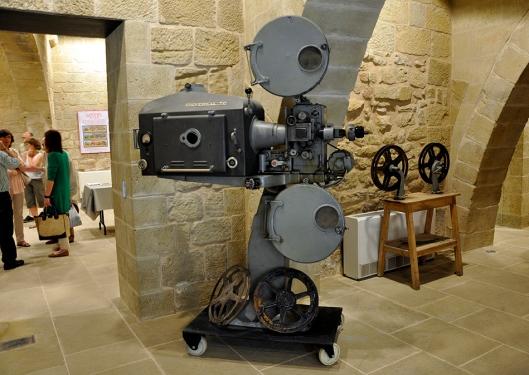 Jornadas Cine Mudo Uncastillo - Proyector Cine años 50 - AtmósferaCine