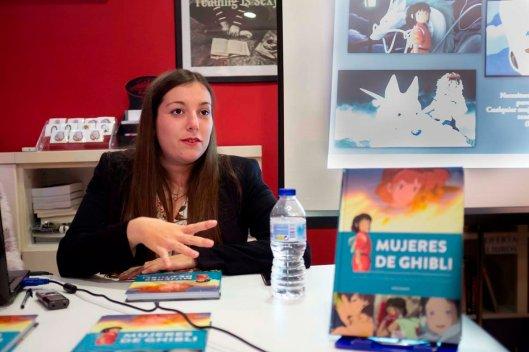 Anna Junyent_Presentación Mujeres de Guibli_La ventana indiscreta_Zaragoza_Foto de Ana Campo