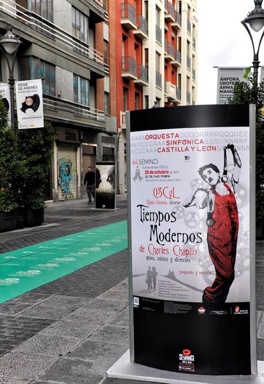 Seminci-Valladolid-2019-Calle Santiago-Carteles-Foto Atmosferacine