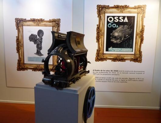 Exposición cine-Centro Historias Zaragoza-2020-Linterna marca Ossa-Foto Atmosferacine