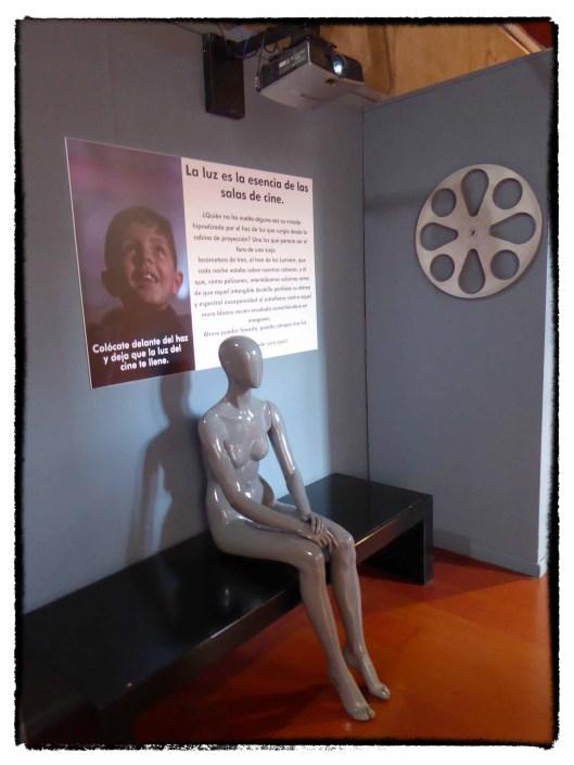 Exposición cine-Centro Historias Zaragoza-2020-Luz-Cinema Paradiso-Foto Atmosferacine