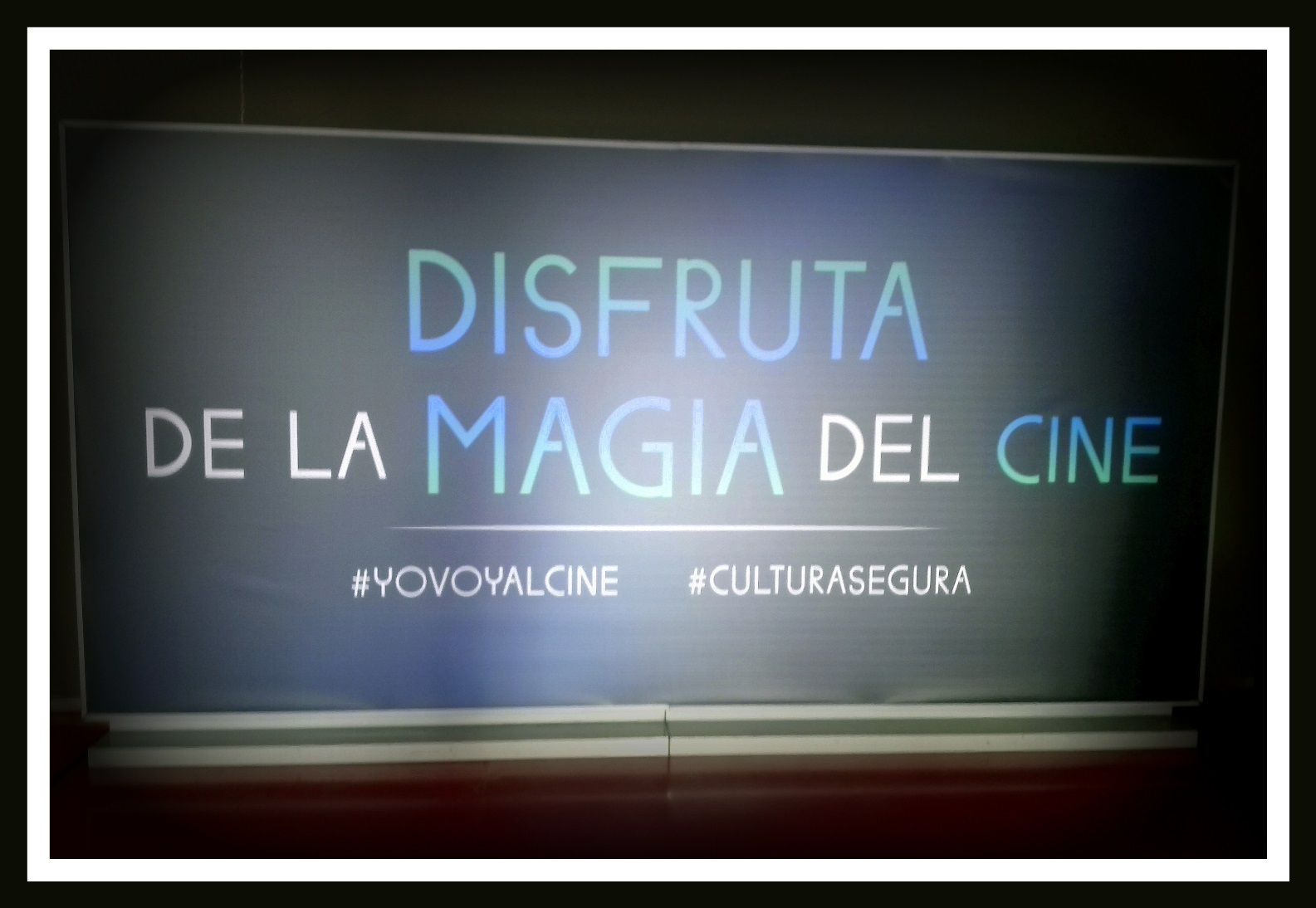 Cartel Magia Cine-Yo voy al cine